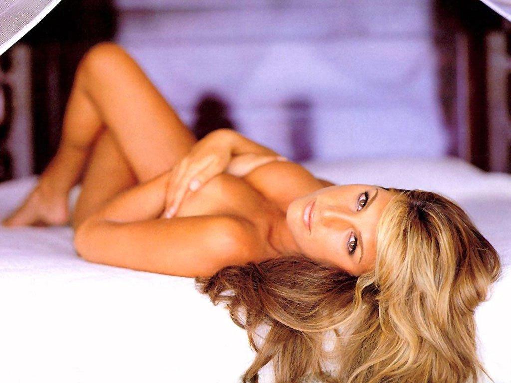 Deisy Fuentes Nude 108